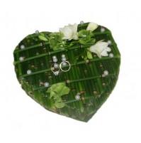 Poročna blazinica - srce/sveže cvetje